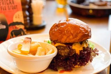 Stodůlky: Restaurace Kolkovna - hamburger