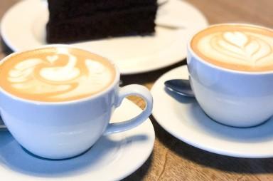 Karlín: Bistro Proti Proudu - cappuccino
