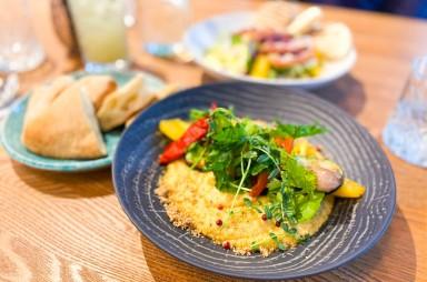 Karlín: Spojka - Hummus s grilovanou zeleninou