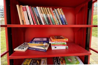 Odložené knihy už čekají na nové majitele